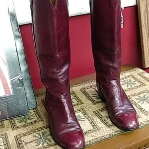 Lucchese boots burgandy 8C